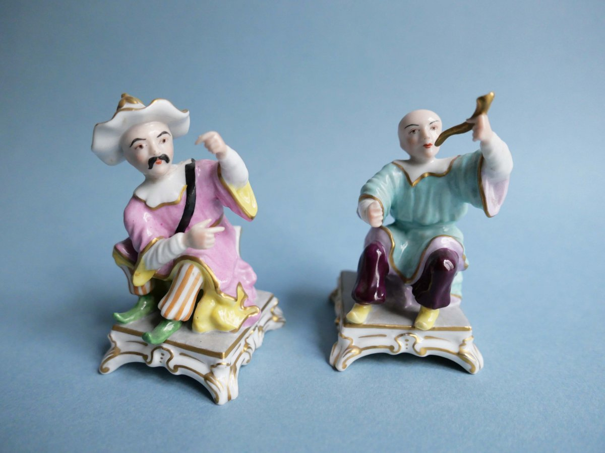 Paris Porcelain - Pair Of Chinese Figurines - Porcelain figures