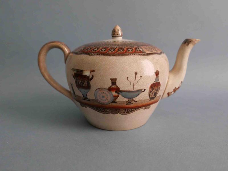 Théière anglaise, 1862-1869 en faïence de Staffordshire,  décor au motif -photo-3
