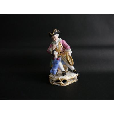 Vienne - Sujet En Porcelaine  XIXe Siècle