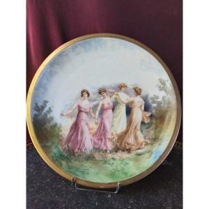 Porcelaine De Paris - Grand Plat A Décor De Nymphes