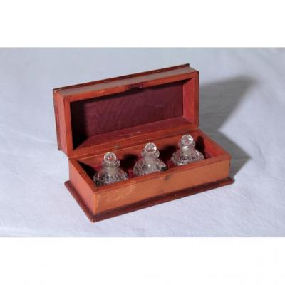 Box Of 3 Miniature Bottles In Crystal Carved 19th Century