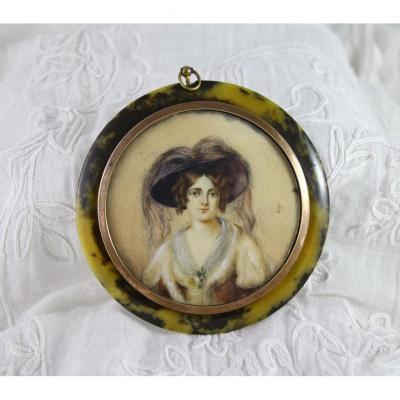 Miniature Ronde Sur Ivoire 'Portrait De Femme Au Chapeau' 19ème Siècle