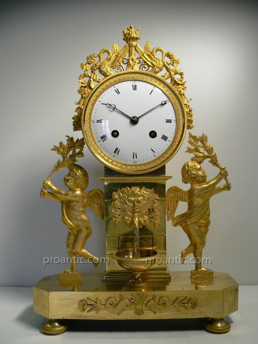 Pendule En Bronze Doré d'Epoque Louis XVI