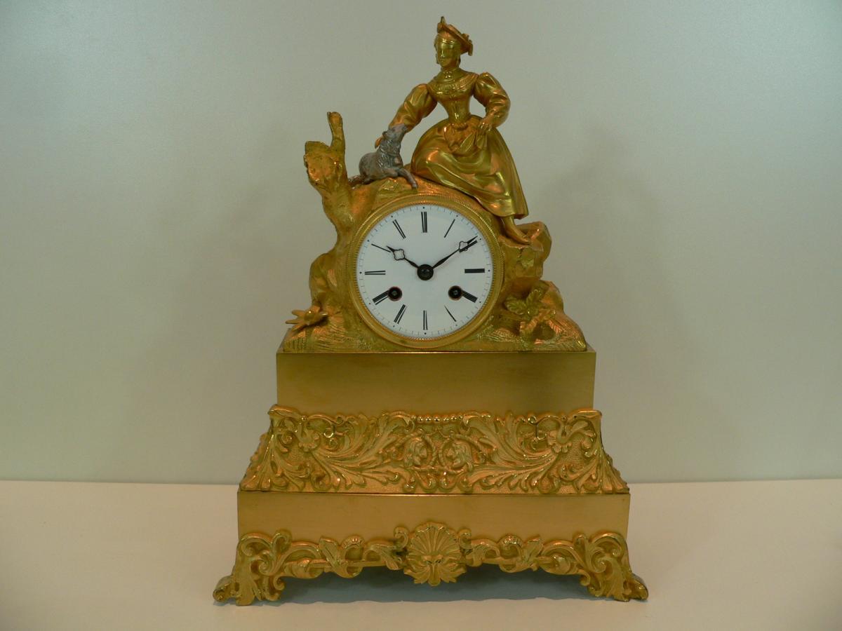 Pendule En Bronze Doré Début XIXème
