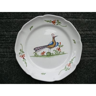XIXth Waly Earthenware Plate Representing A Peacock
