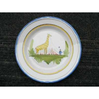 Assiette En Faïence De Waly XIXème Décor à La Girafe Et Son Cornac