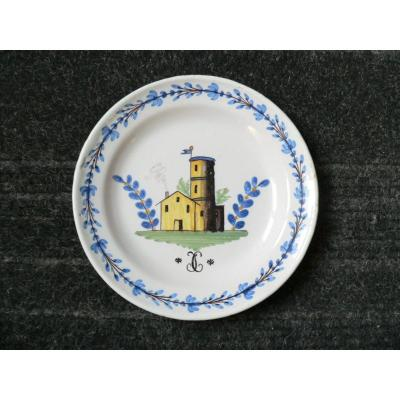 Assiette Patronymique En Faïence De Roanne XIXème à Décor Architectural