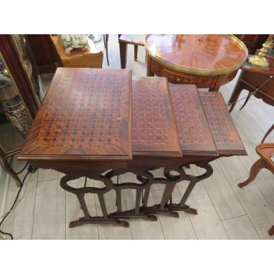 Quatre Tables Gigognes En Palissandre ,ébène Acajou XIX ème