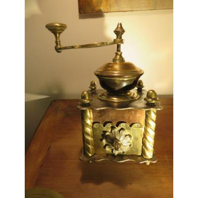 Coffee Mill In Red Copper, Brass And Steel Late Nineteenth