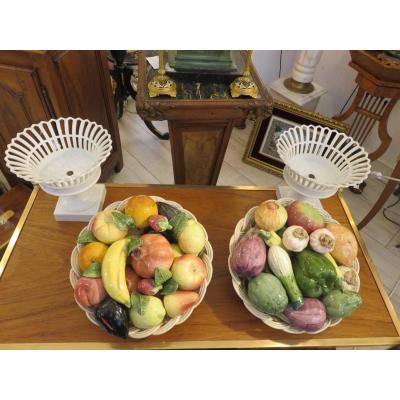 Trompe l'oeil ou centre de table : deux  corbeilles de fruits et de légumes en céramique XXème