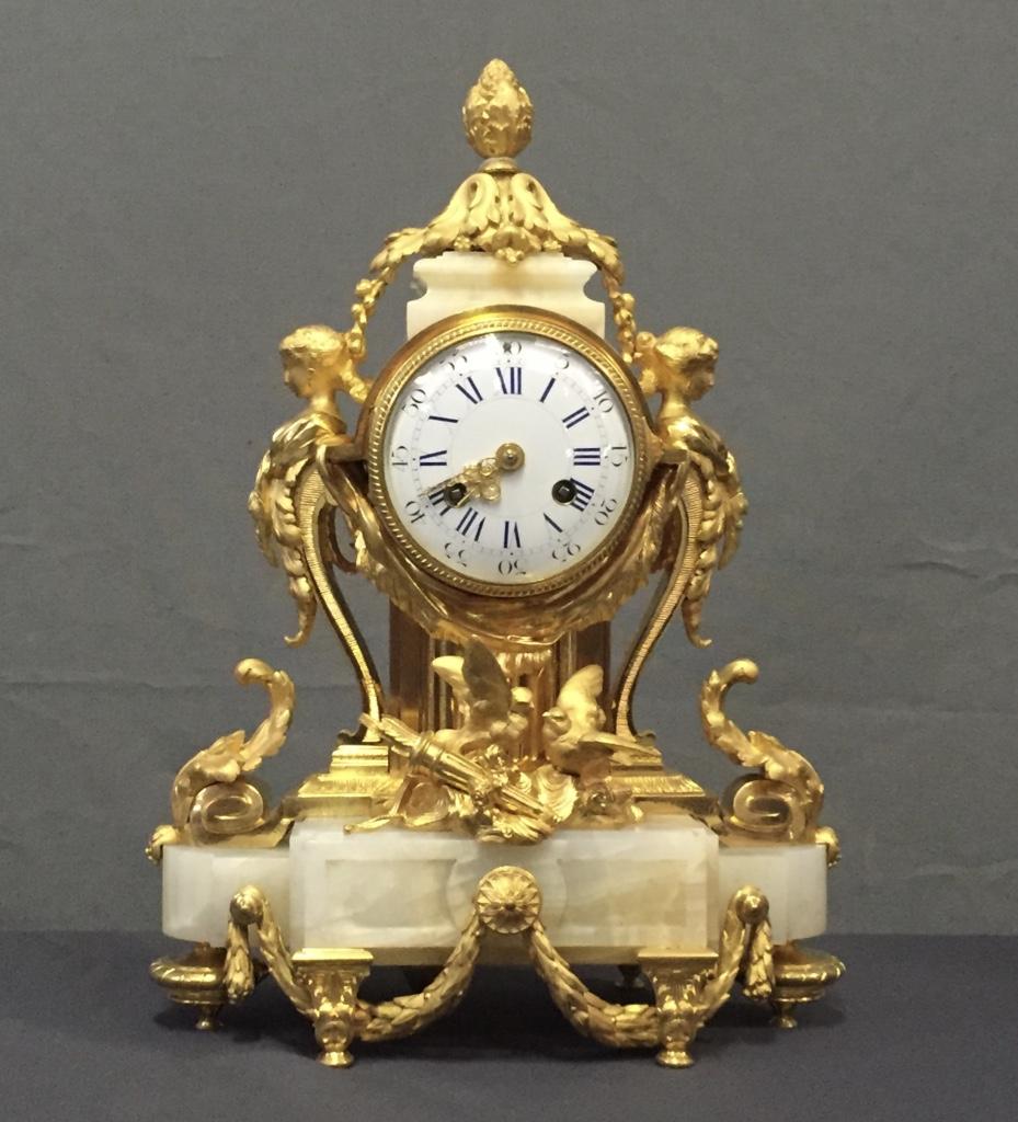 Pendule En Bronze Doré Et Onyx, XIXème siècle