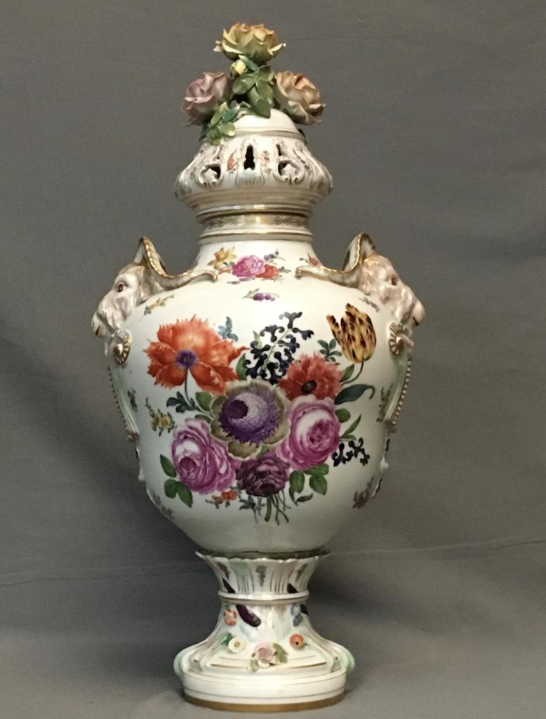 Grand Vase En Porcelaine De Saxe, époque XIXème