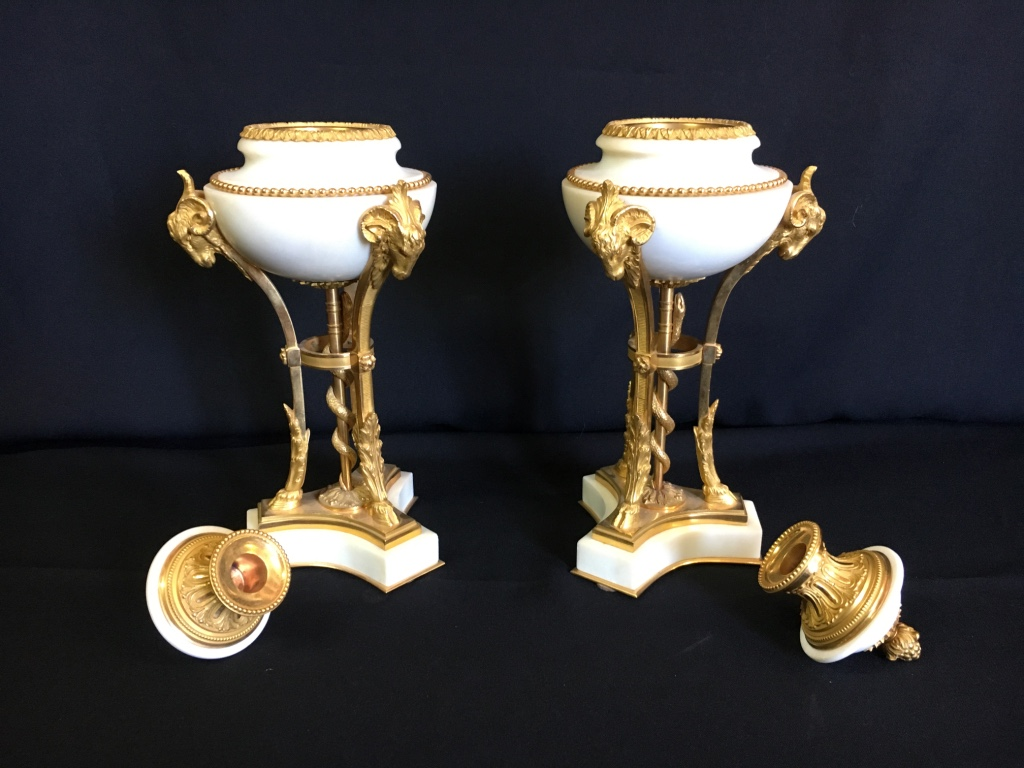 Pair Of Cassolettes Of Directoire In White Marble And Gilded Bronze