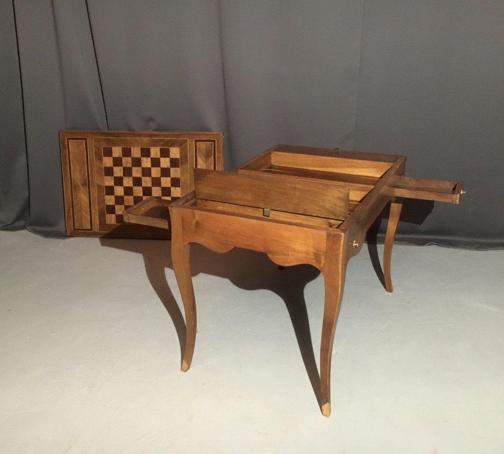 Table Tric-trac Walnut And Marquetry XVIIIth