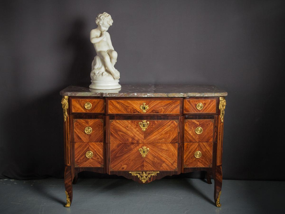 Commode Estampillée N.Petit, époque XVIIIème