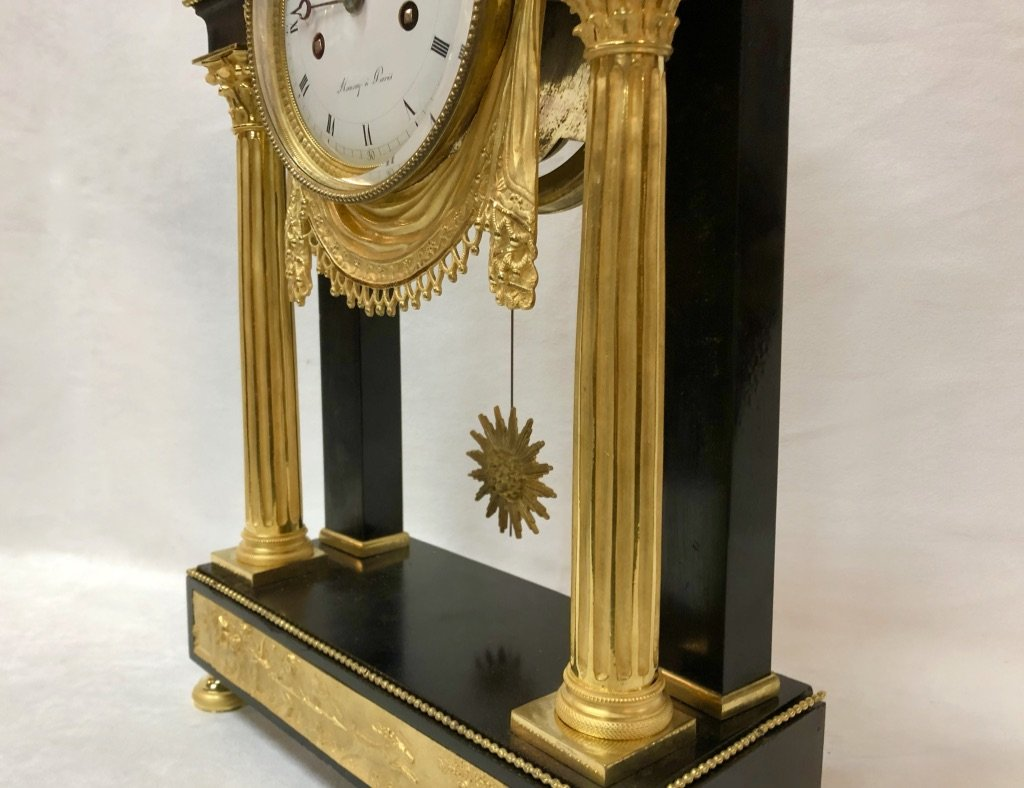 Pendulum In Black Marble And Gilded Bronze Late 18th Century-photo-2