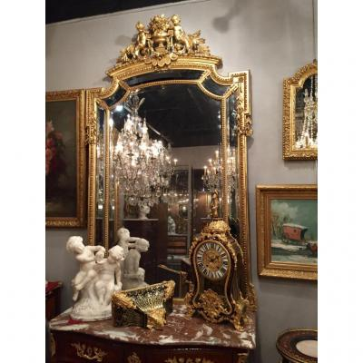 Important Miroir à Parecloses, à décor de Putti, XIXème