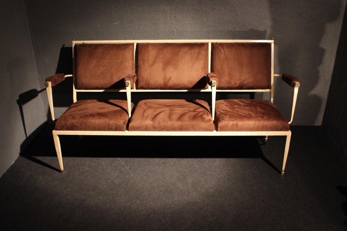 The Sofa 40-50 Years