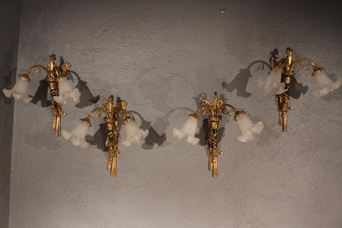 Série De Quatre Appliques Louis XVI