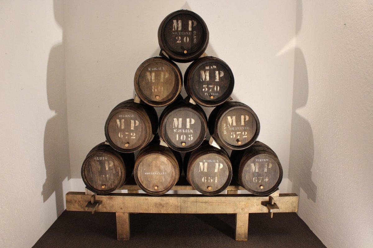 Pyramid Of Wine Futs