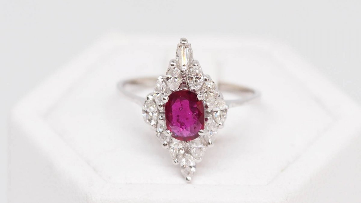 Marquise Ring In White Gold And Ruby