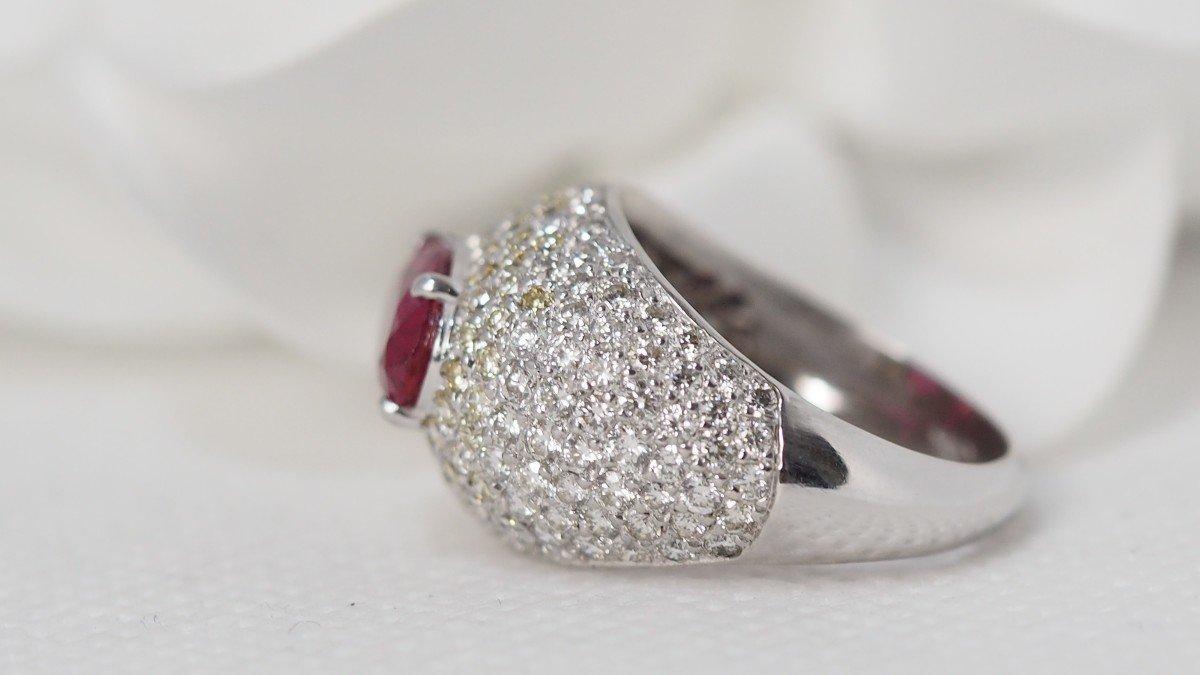 Bague Dôme En Or Blanc, Saphir Rose Et Diamants -photo-1
