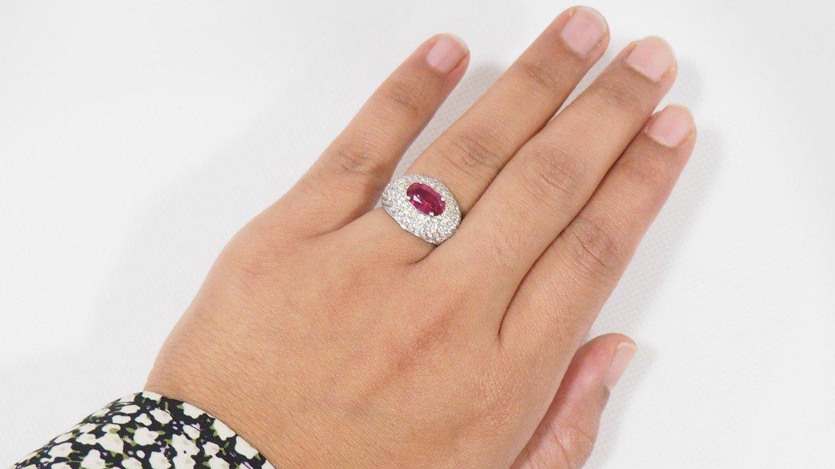 Bague Dôme En Or Blanc, Saphir Rose Et Diamants -photo-2