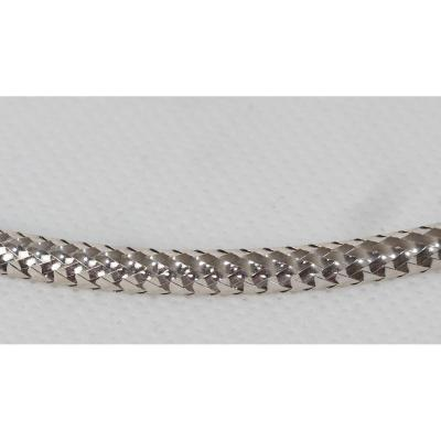 Rigid Choker Necklace