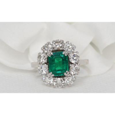 Marguerite Ring In Platinum, Emerald And Diamonds