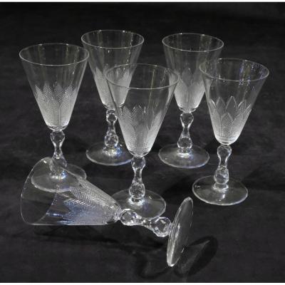 Série de 6 verres à vin en cristal taillé, XIXe