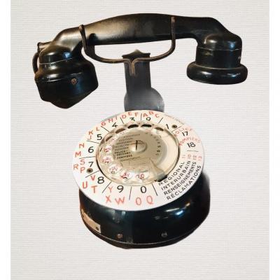 Black Phone With Enamel Dial
