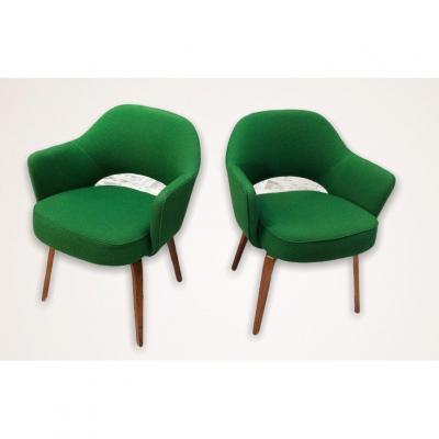 Pair Of Eero Saarinen Conference Model Armchairs For Knoll International 1962