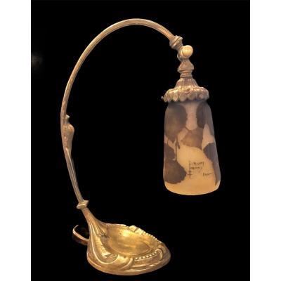 Daum Nancy , lampe en bronze doré et pâte de verre