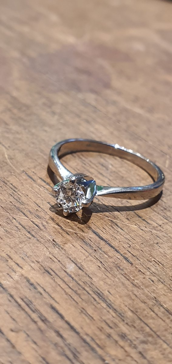 18ct Gold Ring Set With 0.35ct Diamond
