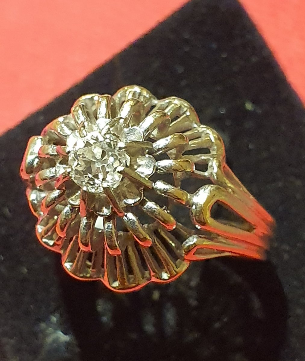 18ct Gold Ring Set With Diamond