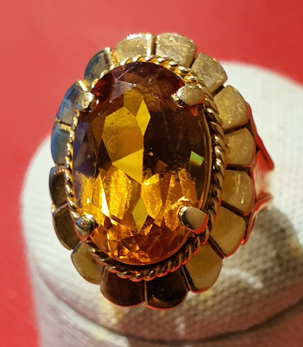 18ct Gold Ring Set With A Citrine