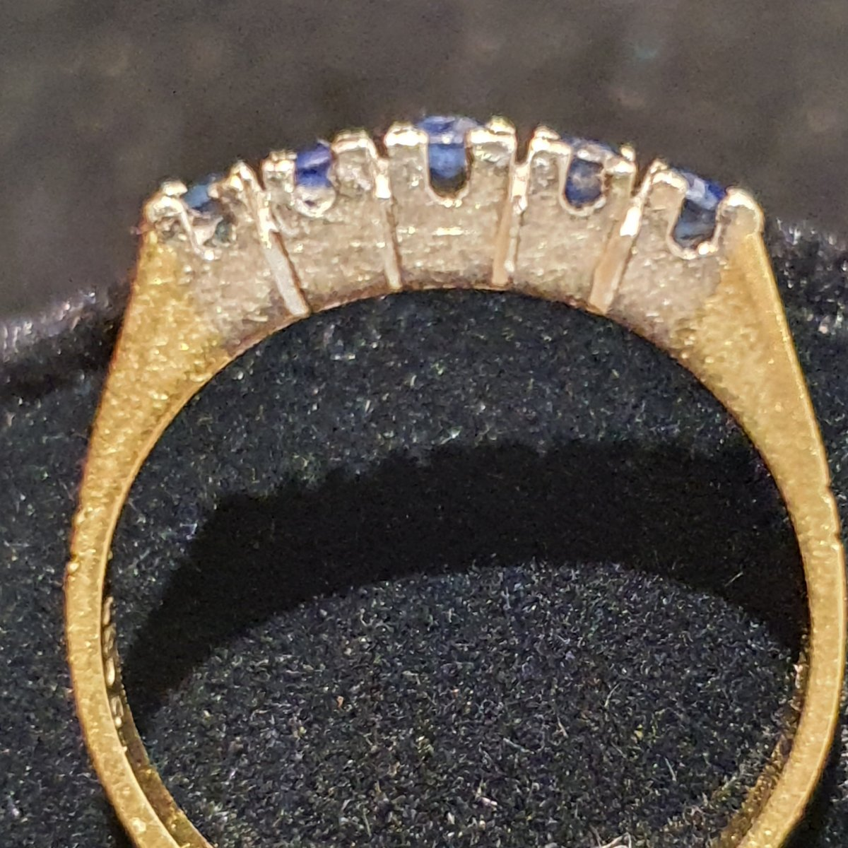 18ct Gold Ring Set With Sapphire Paving-photo-2