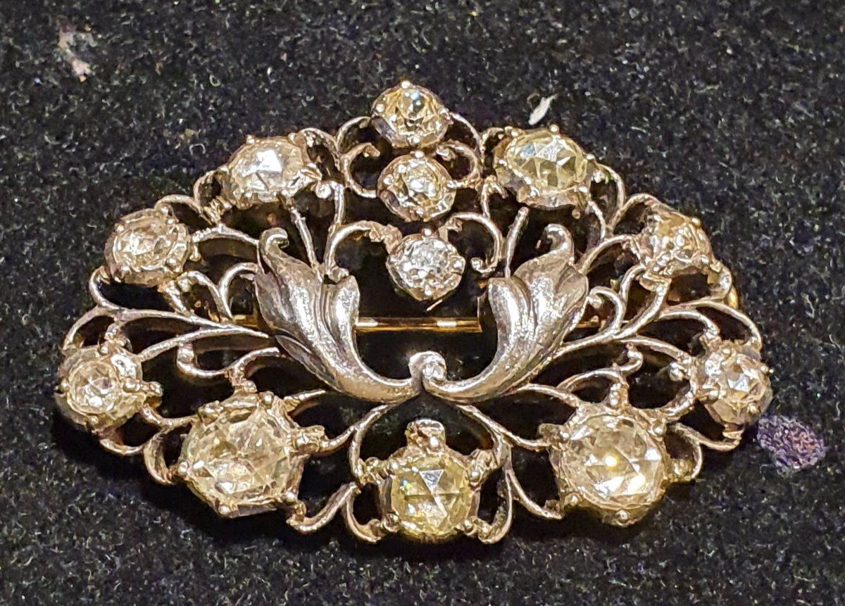 18k Gold And Silver Brooch Set With Old Cut Diamonds