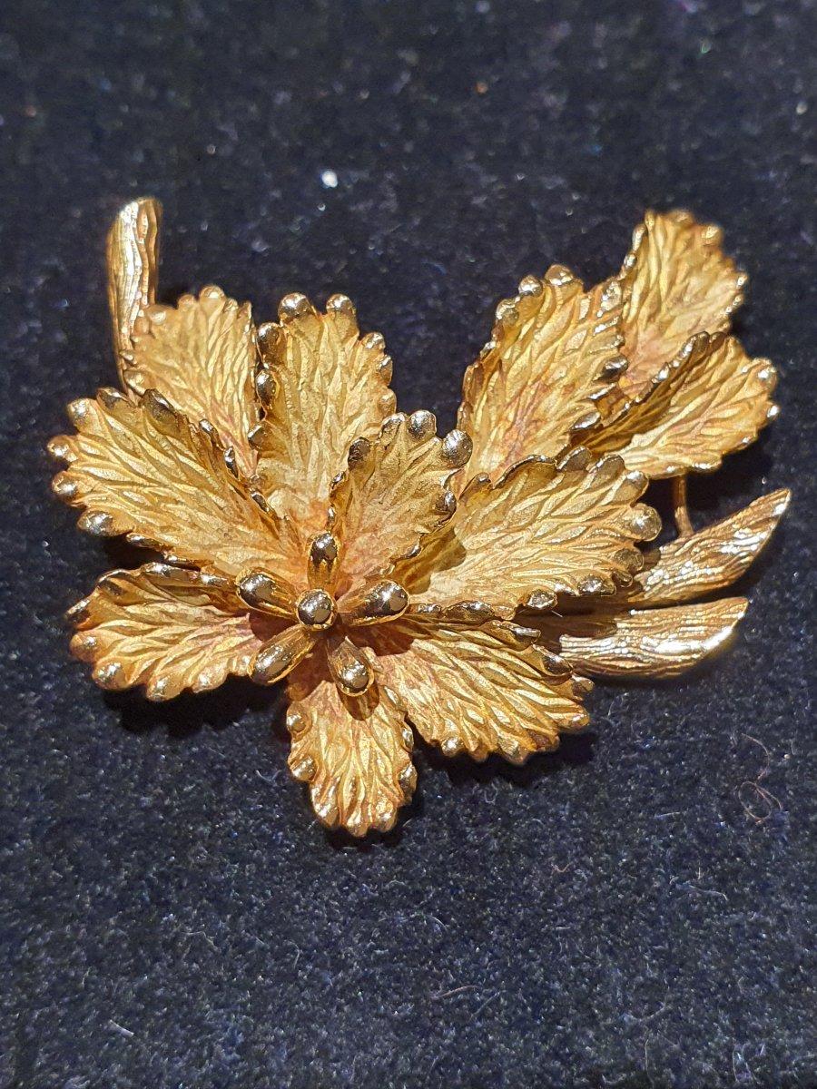 18ct Gold Brooch.