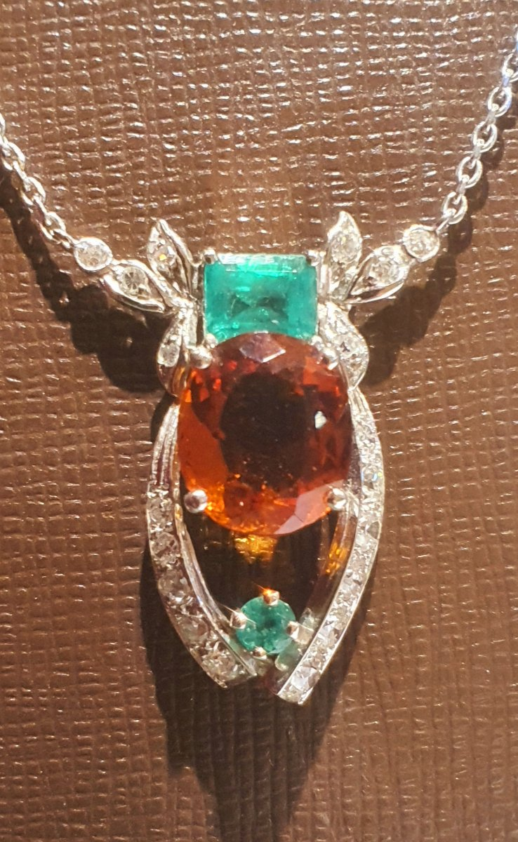 Pendant With Its 18ct Gold Chain