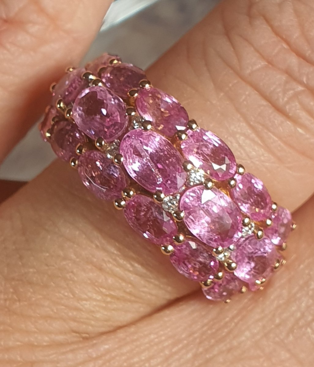 18ct Yellow Gold Ring Set With Pink Sapphires