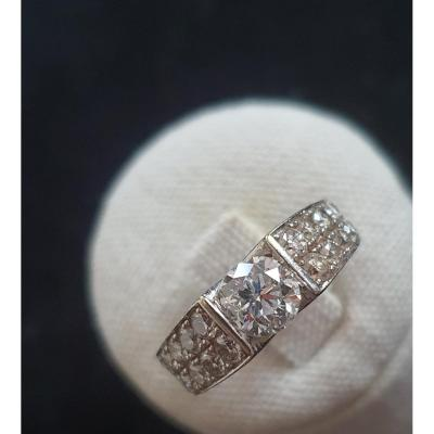 18ct Gold Ring Set With A 1ct Diamond Surrounded By A Paving Of Diamonds For 1.50ct