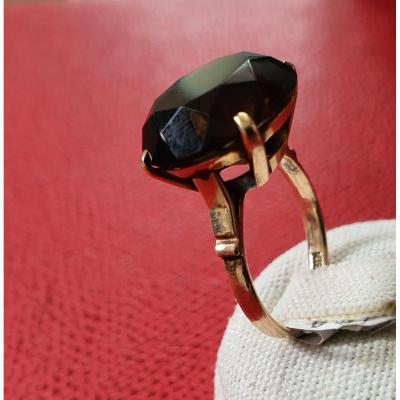 bague en or 18ct sertie d un quartz brun