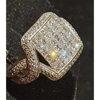 bague en or 18ct sertie  pavage de brillants.
