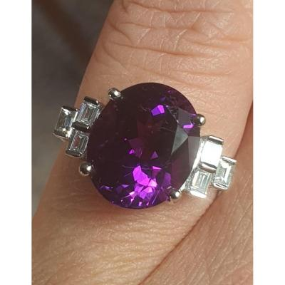 Ring In 18ct White Gold Set With An Amethyst And Baguette-cut Diamonds