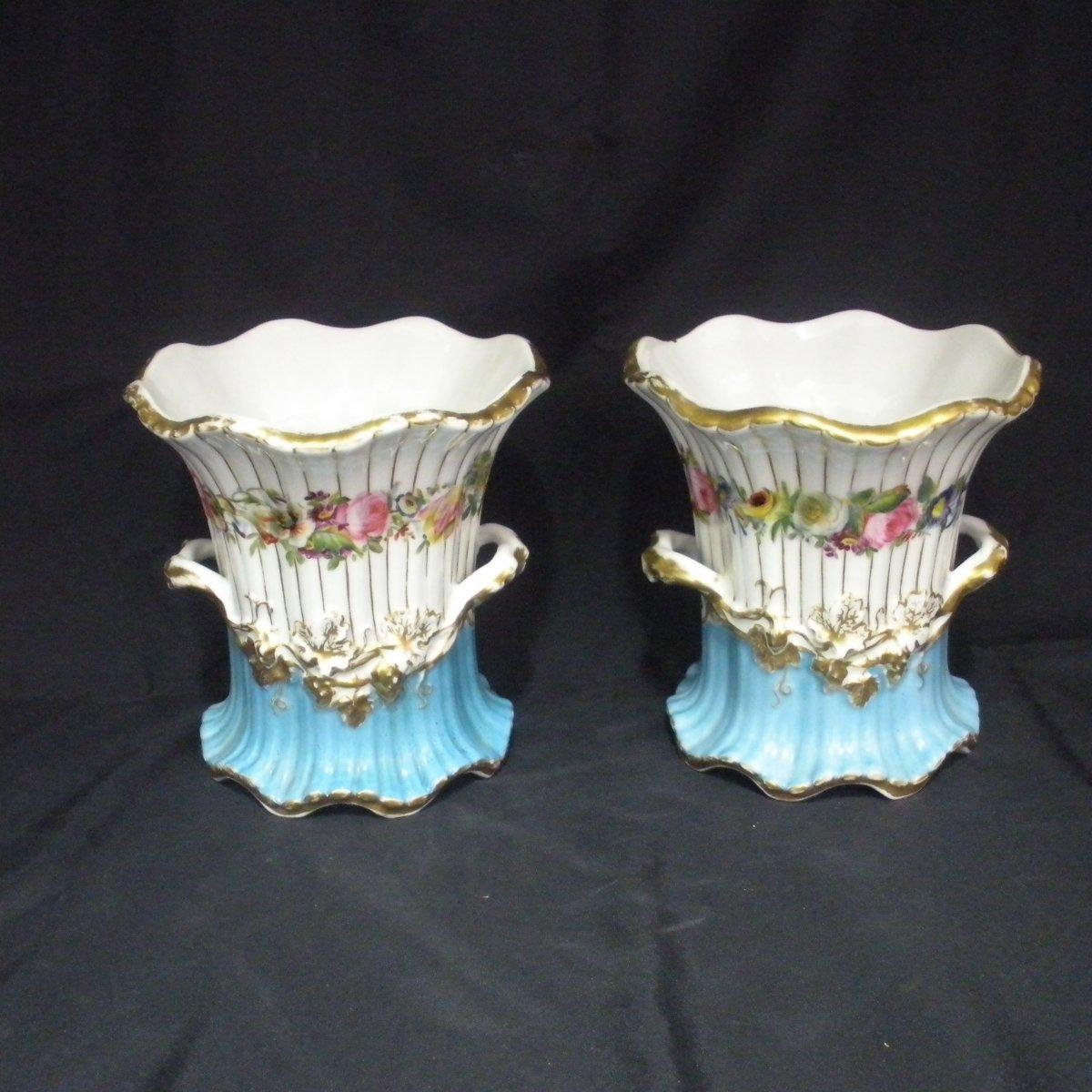 Paire de vases en porcelaine de Vieux Paris