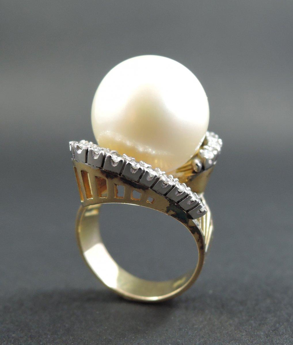 Importante Bague Perle Et Diamants, Or Et Platine.