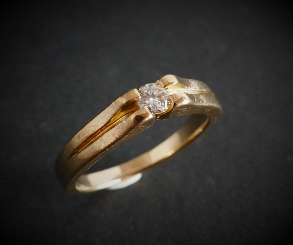 Diamond Solitaire, 18k Yellow Gold.