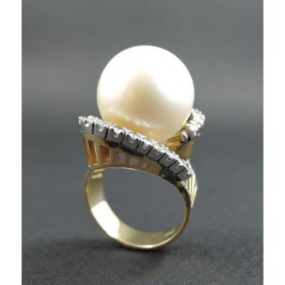 Importante Bague Perle Et Diamants, Or Et Platine.