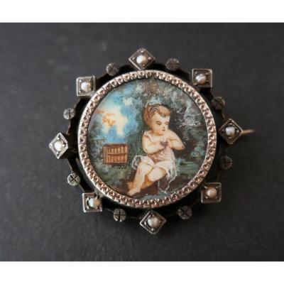 Broche Miniature Et Perles Fines.